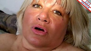 Fat slut on the couch sucks a dick and takes dick doggystyle