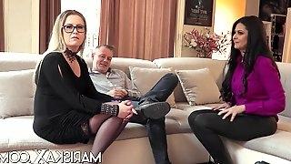 Mariska joins a hot swinger couple