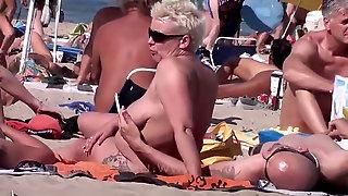 Hookup ON nude BEACH