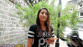 Beautiful Filipina girl Kim gets intimate with one barely known guy